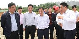 市长陈文浩莅临天卓塑胶管道安装项目指导工作